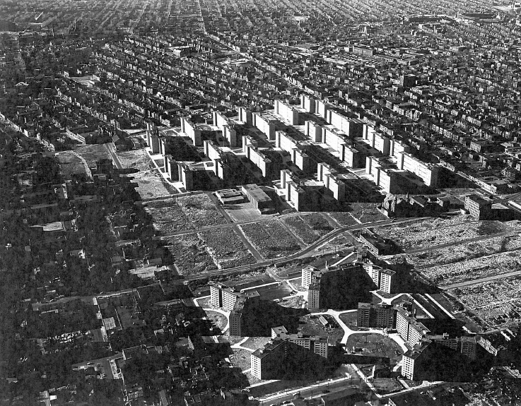 The results of the 1947 Comprehensive Plan's implementation: the Pruitt-Igoe (left) and George L. Vaughn (right) housing projects, both completed by 1958, ad lots of clearance. View toward the northwest.