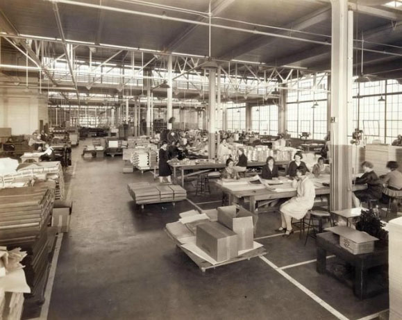 The second floor finishing department at the Woodward & Tiernan plant in 1927. Source: Missouri History Museum Library and Collection Center.