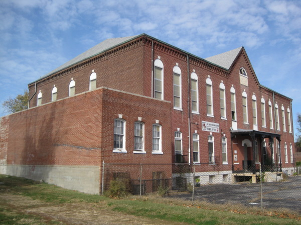 One of the district's most prominent German-American institutions was the Freie Gemeind von Nord St. Louis, or the Freethinkers Society. The vacant Freie Gemeinde building (1869-1883) was included in the district, but suffered a collapse after listing. However it still stands.