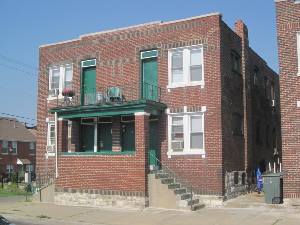 One of the district's later multiple dwellings, at 1813-15 Rauschenbach Avenue (1929).
