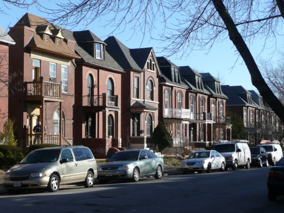 Contributing dwellings on the 2800 block of Victor Street.